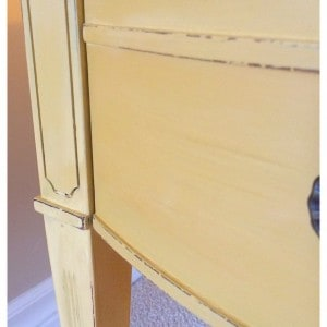 gorgeous yellow paint with distressing