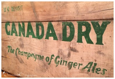 green_canada_dry_lettering