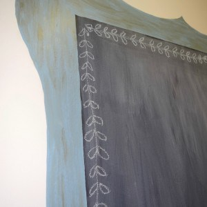 Fusion Mineral Paint in Champness with Antiquing glaze