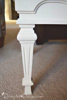 beautiful Federal style legs on vintage coffee table