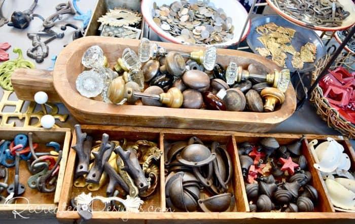 vintage hardware, hooks and knobs at Ottawa's 613 flea