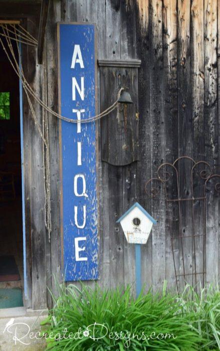 Antiques sign Finnegan's Market Hudson Quebec