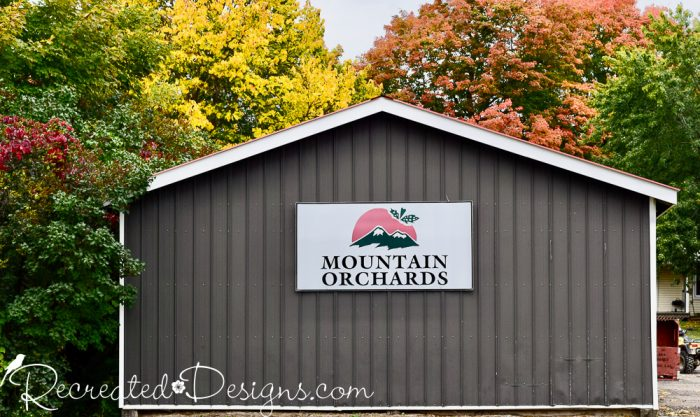 Mountain orchards sign