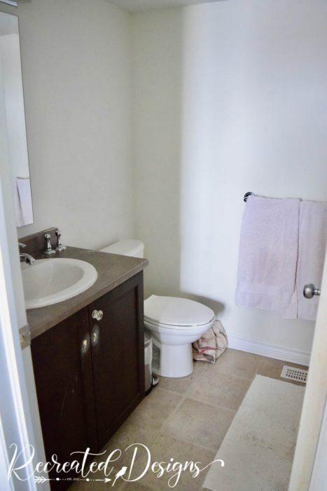 bathroom painted white